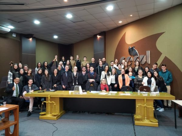Alunos do período matutino que participaram do Tribunal do Júri.