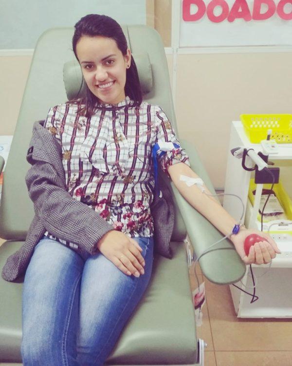 """""""Salvar uma vida é salvar a si mesmo, é misturar o sangue em busca do bem"""", Juliana Oliveira, acadêmica do 1º período de Direito, que reside em Flor da Serra do Sul."""