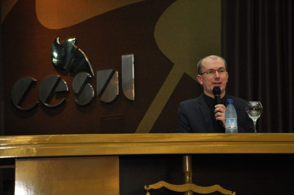 O professor Marcos Augusto Maliska organiza o seminário há 17 anos.