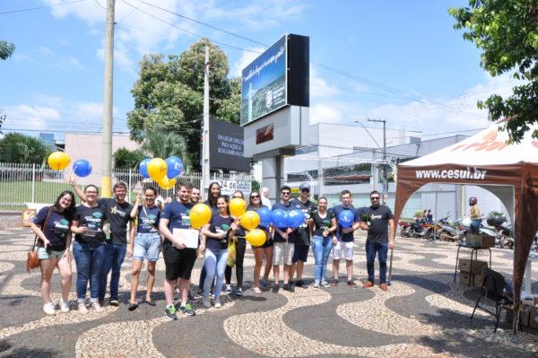 Alguns dos alunos que participaram da atividade, no Calçadão.