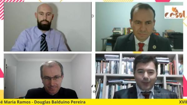 Os professores Douglas Balduino Pereira, José Maria Ramos, Marcos Augusto Maliska e Leomar Rippel na sexta-feira, na abertura do evento
